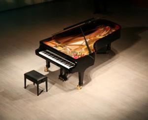 ニューヨクでピアノリサイタル用のグランドピアノ
